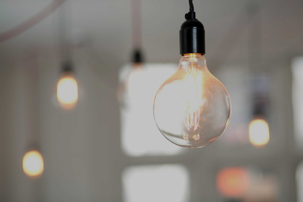 Large filament lightbulb